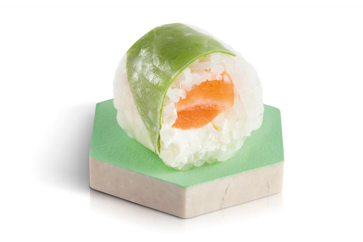 fresh rolls saumon cheese